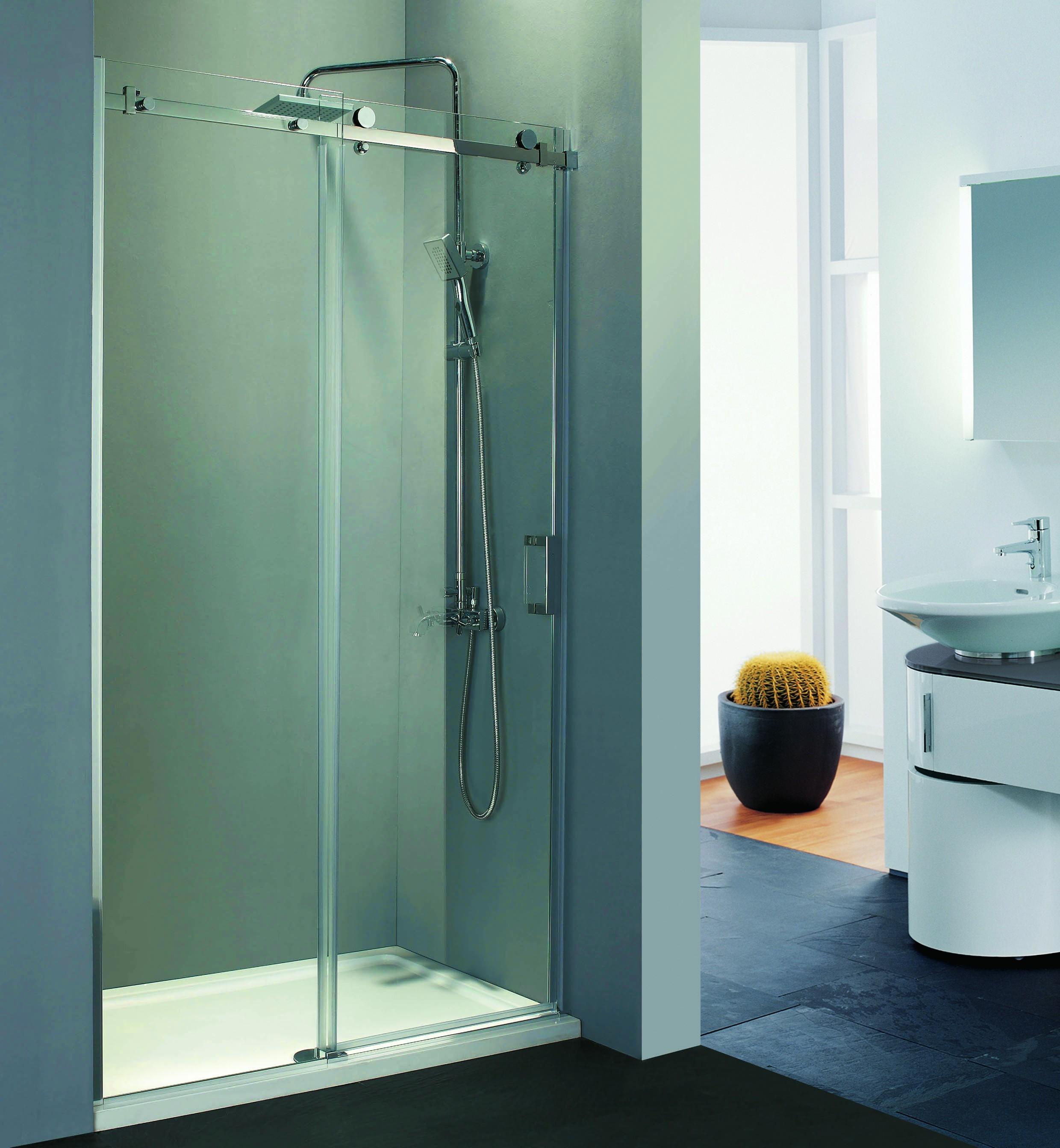 https://www.tegelensanitairmagazijn.nl/9231/beuhmer-slide-schuifdeur-rechts-120x200-cm-chroom-8-mm-dik-helder-glas.jpg
